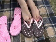 Jewel's Tries on different Flip Flops