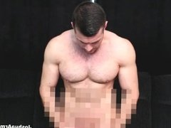 HAIRY MUSCLE WANK AND CUM