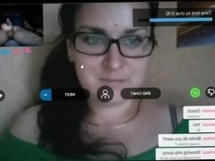 Reacciones de nenas al ver mi polla en la web cam. 8