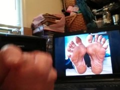 Masturbating tribute to gotsole feet pics she is hot