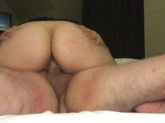 Fellation et baise a l hotel
