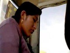 Bus flash next to Peruvian.flv
