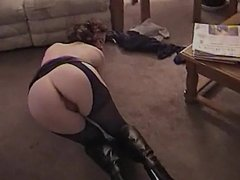 SHOWS ME HER ASS AND I LET HER SUCK MY COCK