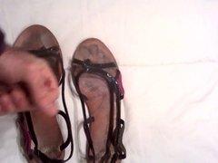 Cumming in GF sandals