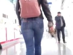 sweet girls ass in jeans
