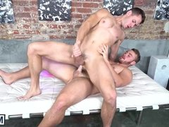 Cock riding twinky really has some mean ass drilling skills