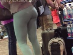 latin body round ass college teen in yoga spandex pants