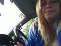 Buxom blonde mature car play.flv