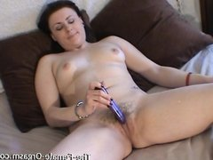 Curvy Babe with Furry Fleshy Wet Pussy Vibrates Her Clit