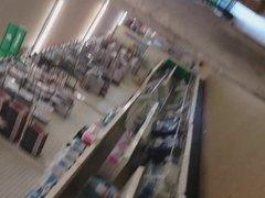 Store Upskirt with SlowMo