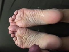 Cum For Her Wrinkly Soles