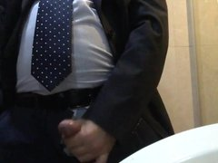 Daddy in suits horny in office toilet