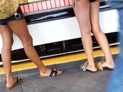 Perfect Teens ass, legs soles feets in shorts