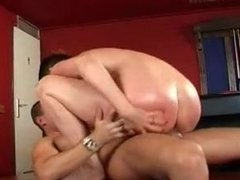 Mature Milf Momma Gets The Shaft From A Young Cock