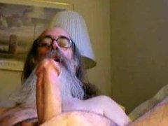 Daddy with beard jacking off.flv