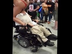 quadriplegic eat a pussy in her electric chair