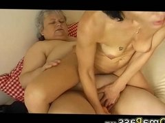 OmaPasS Granny Lesbians Having Fun with Adult Toys