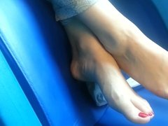 mistress feet train ignore