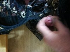 Pt.3 32B Co-worker creaming her bra and knickers