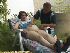 pregnant housewife outdoor fucked