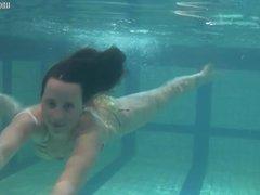 New teen on underwatershow