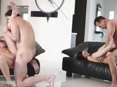 Daddy girl and lucky guy bangs mom chum's
