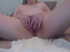 BBW plays with herself in diaper