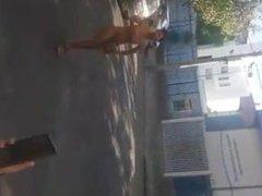 Travesti nua na rua