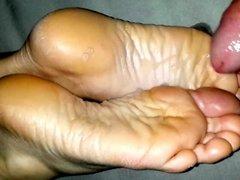 Girlfriends new year feet - cum on soles