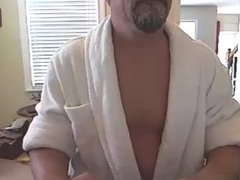 Big Head Daddy needs to work on how to cum on cam