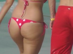 Jiggly ass with string slow mo