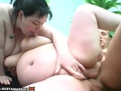 Amateur threesome with 2 chubby girlfriends and facial shot