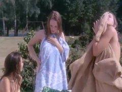 American convinces brit girls to skinny dip