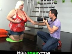 Mega-tits blonde rides after photosession