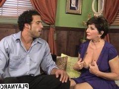 Curvy Mother Bea Cummins Gives Blowjob Hard Tender Friend