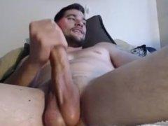 Horny Hunk Cums on Cam