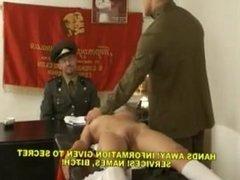 jeune russe reticente dressee eduqueee fessee