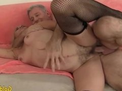 Mature woman sucking and fucking