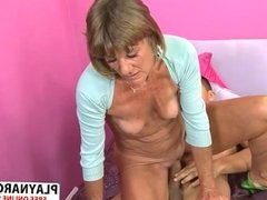 Sensual Stepmom Daisy Lou Wants To Fuck Hard Young Son's Friend