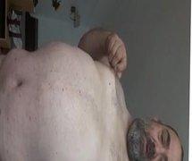 Abuelito en su casa