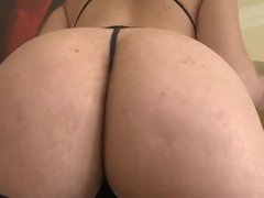 Sexy brunette with a round ass loves to tempt
