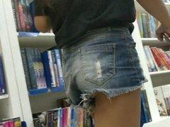 Poupa Bunda Novinha - Skinny Teen in Book Store