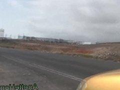 fellation sur la route avec des passants en livecam