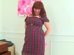 My favourite videos of English mums in tights: Toni, Janey and Louise