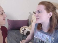 redhead lesbian webcam