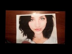 2 Loads for Emily Rudd - The Prettiest Girl In The World