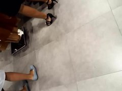 Fr's sexy legs feets high heels walk at shopping