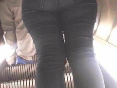 Nice ass on escalator black jeans