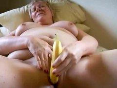 Granny BBW Using Banana On Her Pussy