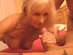Slutty amateur Milf homemade threesome with cumshot